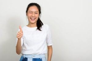LA-Intern-student-housing-thumbs-up-girl