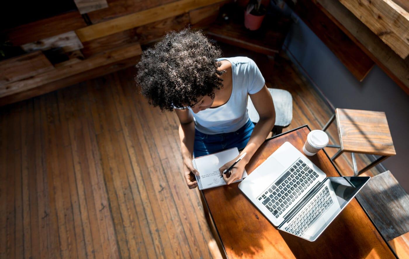 Los-Angeles-intern-housing-apartment-woman-study