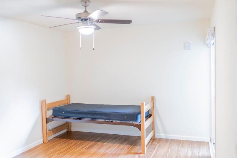LA Intern Single Bed