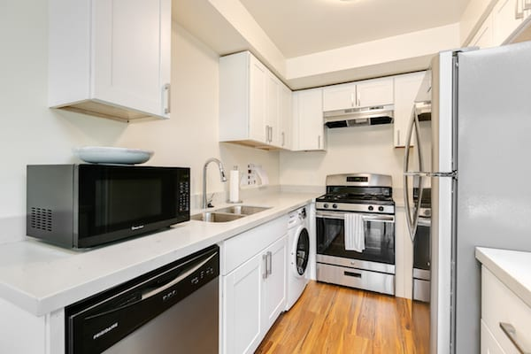 Kitchen at Pasadena Corporate Housing
